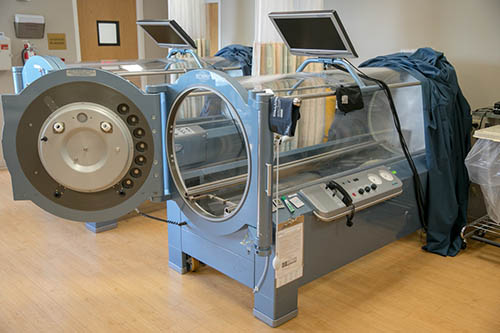 Hyperbaric chamber at Methodist Jennie Edmundson Wound Clinic