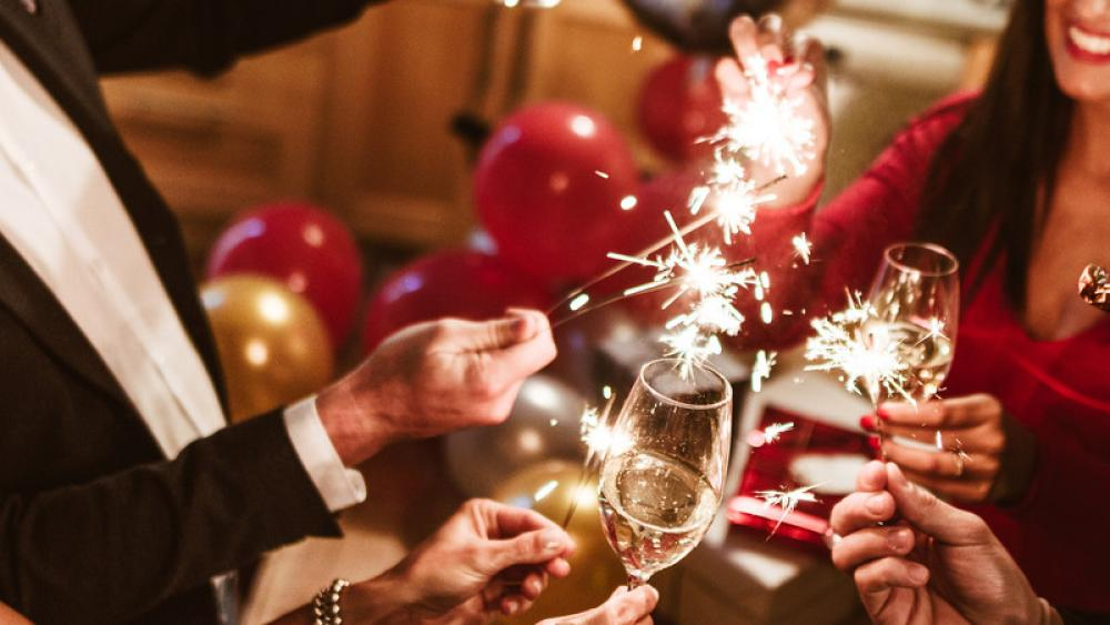 Image for post: How to Toast to the New Year Without Regret