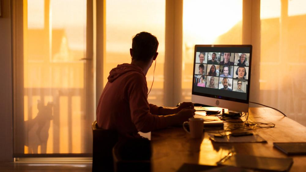 Image for post: 'Zoom Gloom' Can Leave You Feeling Drained When Your Video Chat Ends