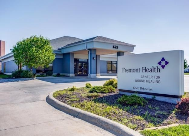 Exterior of Methodist Fremont Health Wound Center